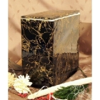 Fekete keráia urna márványos mintázattal