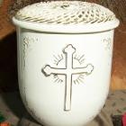 Vanda fonott urna - kereszt