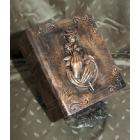 Könyv urna rózsa-kéz motívummal - bronzos árnyalat