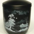 Vízpart - kézzel festett fekete fém urna