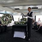 Hajós temetés hamvak szórása