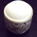 Hollóházi porcelán urna - leveles
