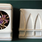 Hollóházi porcelán urna - liliom