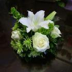 Kis ravataldísz liliommal, rózsával
